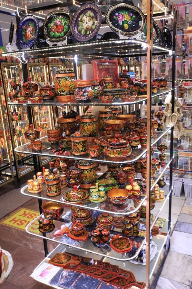 Сувениры из России для иностранцев недорого, еда, из разных городов. Самые популярные