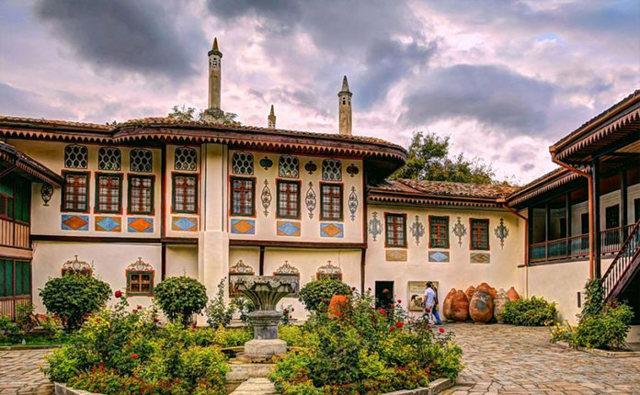 Ханский дворец Бахчисарай. Фото, описание, адрес, часы работы, экскурсии. Фонтан слёз, как добраться, стоимость билетов