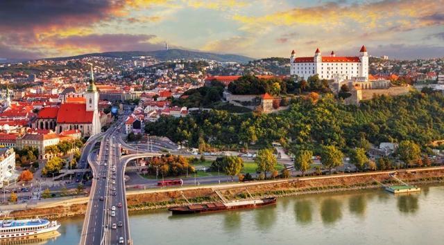 Виза в Словакию (Братиславу) для россиян в 2020 году. Цена и сроки изготовления, как оформить самостоятельно, визовый центр